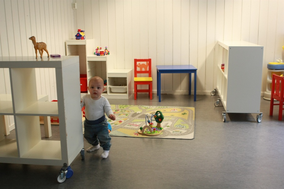 Nyoppussede innearealer med rikelig med leker