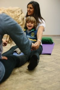 Maddie Lama Sjåtil leder baby yoga timene